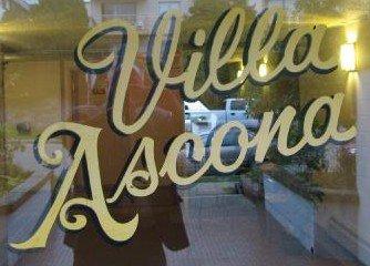 Villa Ascona 275 2ND V7M 1C9