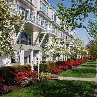 Riverside Gardens - Exterior!
