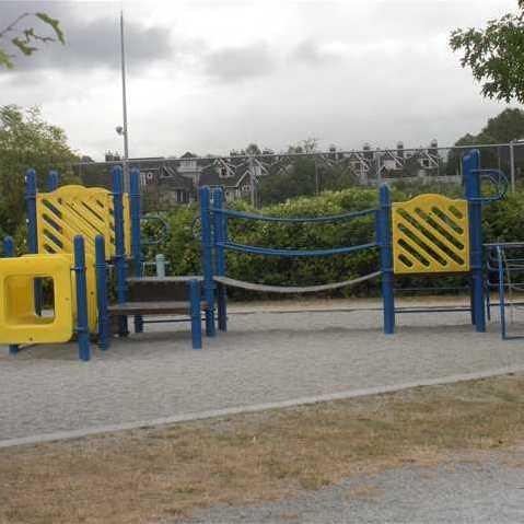 Riverside Grardens - Playground!
