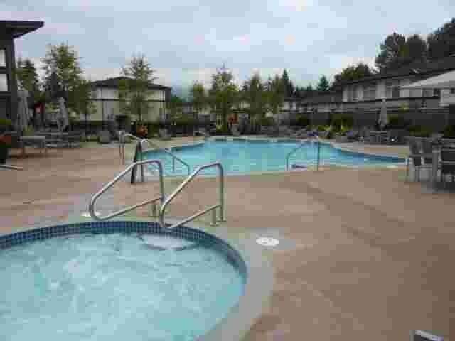 Kensal Walk - Pool!
