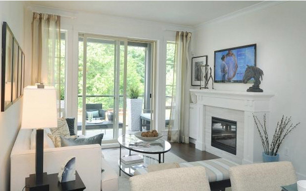 Edgewater - Living room!