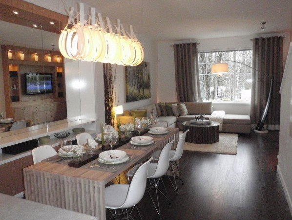 Westwood - Dining & Living!