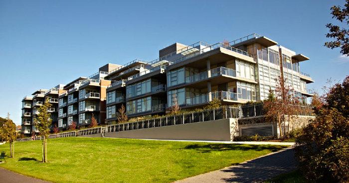 365 Waterfront Crescent Victoria BC Building Exterior!