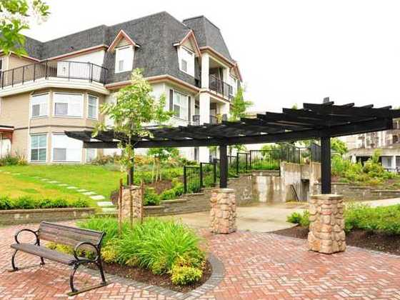 Orleans Ridge - Courtyard!