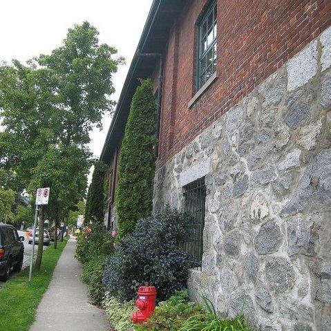 Building Exterior/Sidewalk!