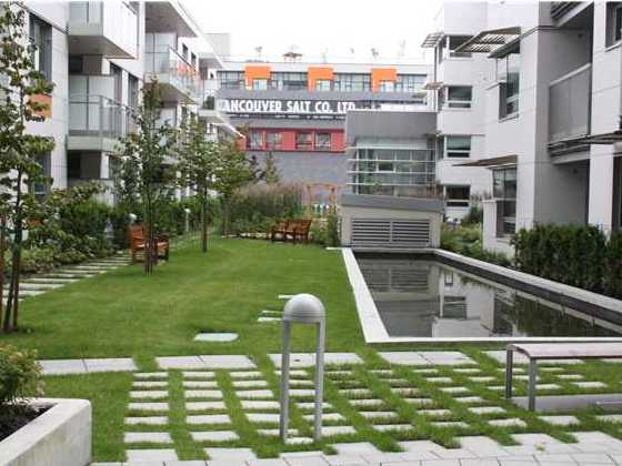 Sails - Village on False Creek - Courtyard!