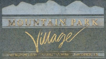 Mountain Park Village 1386 LINCOLN V3B 7G6