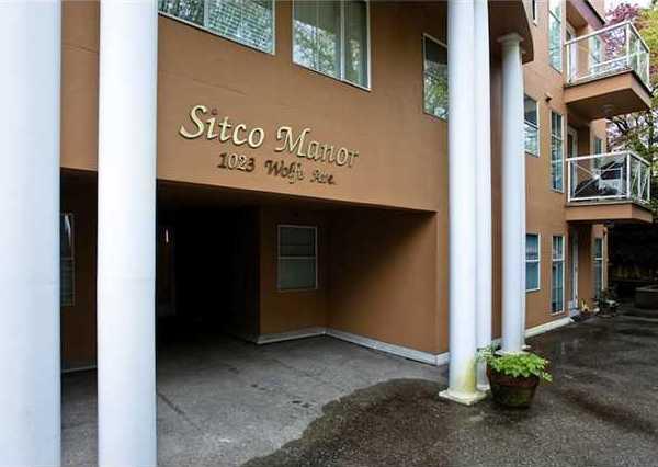 Building Exterior/Main Entrance!