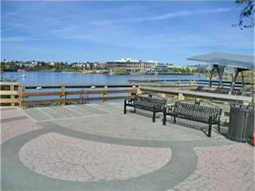Water front / Relaxing area!