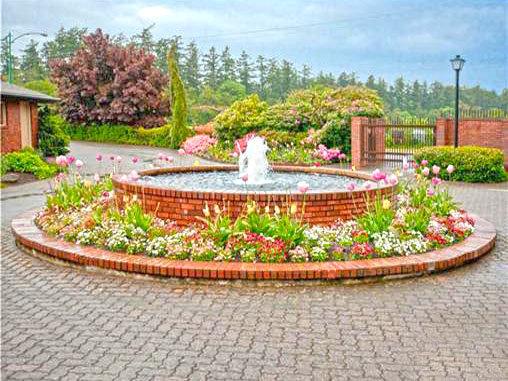 Garden / Fountain !