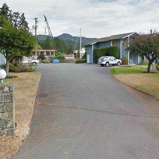 Entrance Driveway!