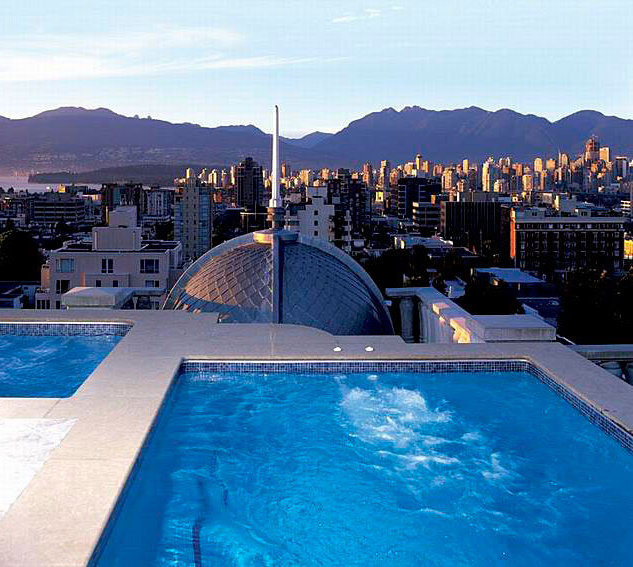 Penthouse Roof Top Pool!