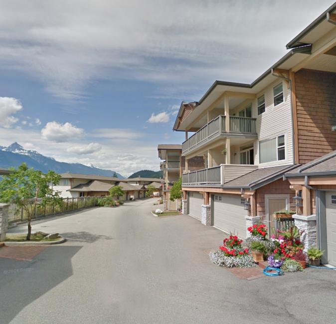 1026 Glacier Squamish BC Building Exterior!