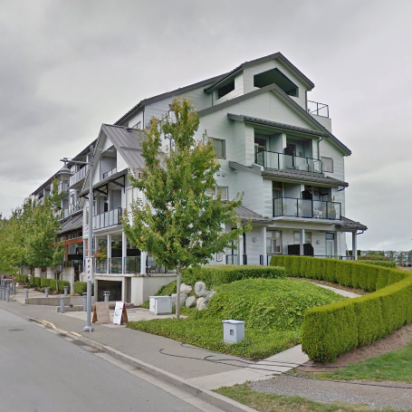 6233 London Richmond BC Exterior!