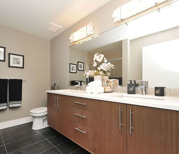740 Travino Lane, Saanich, BC V8Z 0A4, Canada Bathroom!