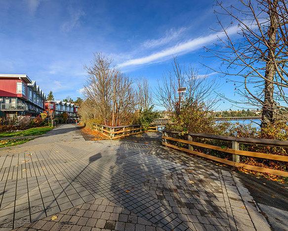 787 Tyee Road, Victoria, BC V9A 7R5, Canada Outdoor Area!