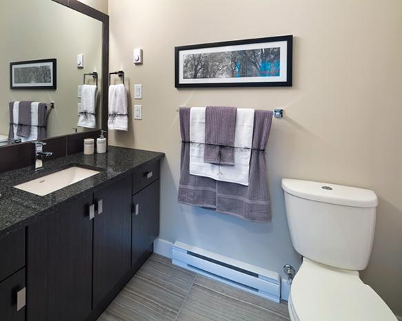 2655 Sooke Road, Langford, BC V9B 1Y3, Canada Bathroom!