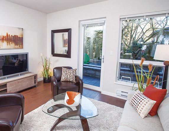 20331 Dewdney Trunk Road, Maple Ridge, BC V2X 3C9, Canada Living Room!