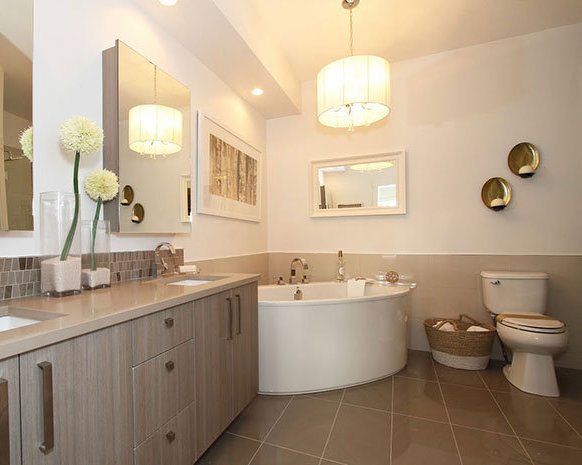 22327 River Road, Maple Ridge, BC V2X 2C5, Canada Bathroom!