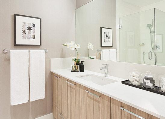 1061 Marine Drive, North Vancouver, BC V7P 1S6, Canada Bathroom!