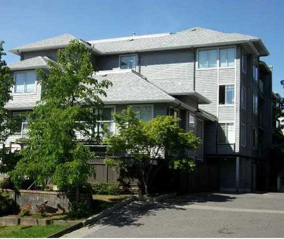 11671 Fraser  Maple Ridge BC Building Exterior!