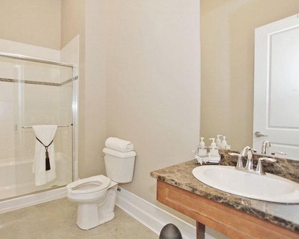 4570 Keith Wilson Road, Chilliwack, BC V2R 0X3, Canada Bathroom!