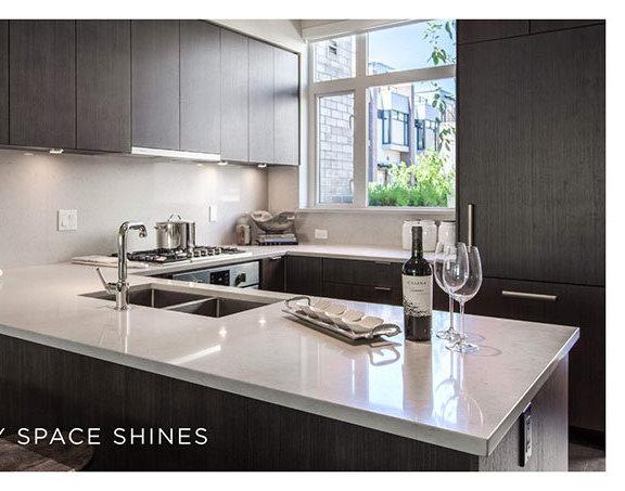 5420 Oak Street, Vancouver, BC V6M, Canada Kitchen!