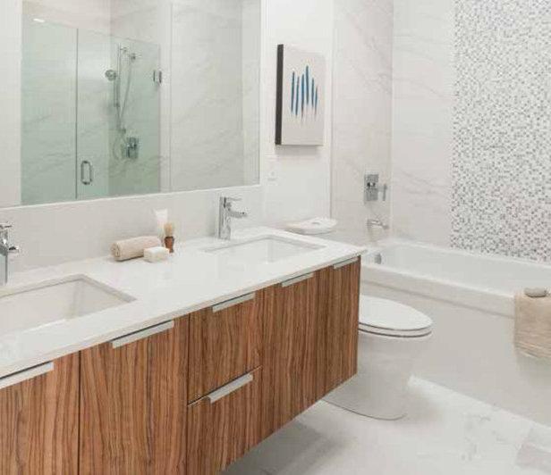 1265 Howe Street, Vancouver, BC V6Z 1B7, Canada Bathroom!