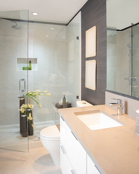 6638 Dunblane Avenue, Burnaby, BC V5H 3M2, Canada Bathroom!