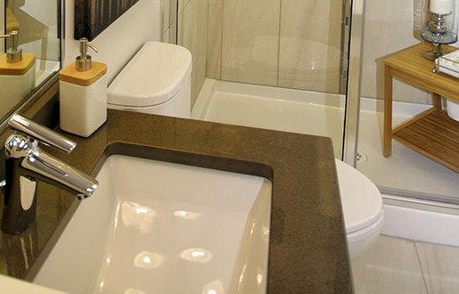 7604 6th Street, Burnaby, BC V3N 3M5, Canada Bathroom!