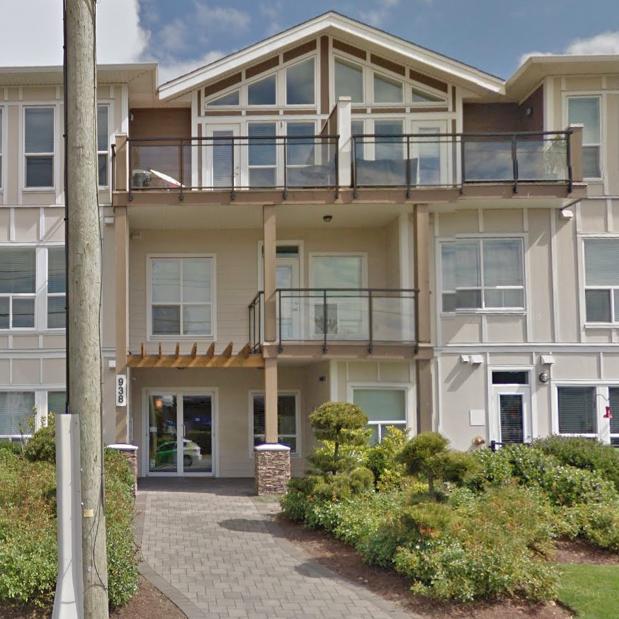 938 Dunford Victoria BC - Building Exterior!