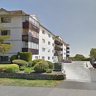 929 Esquimalt Victoria BC - Building exterior!