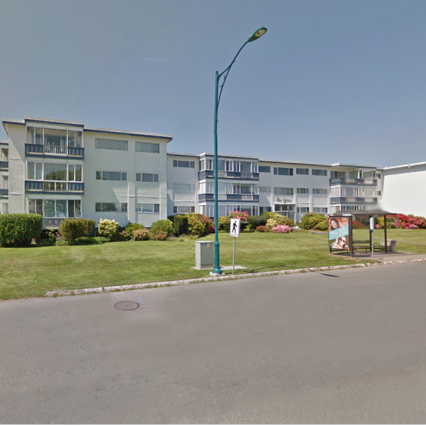 Blue Waters - 9560 5th Street, Sidney, BC - Building Exterior!