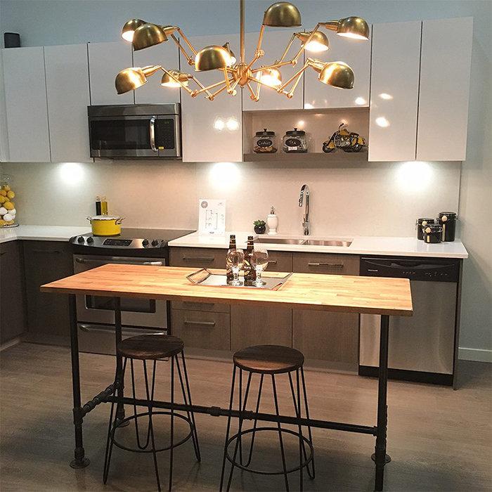 13768 108 AVE, Surrey, BC V3T 2K7, Canada Kitchen Display!