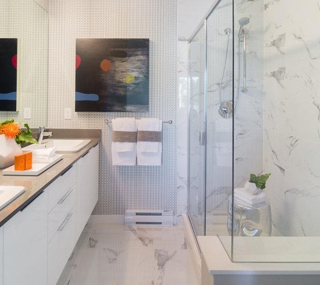 8138  204 St, Langley, BC V2Y 2A9, Canada Bathroom!