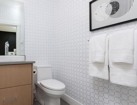 2427 164 St, Surrey, BC V3S 0E2, Canada Bathroom!