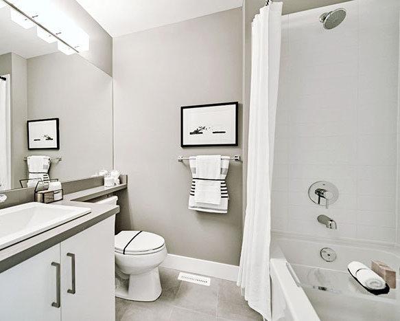 8570 204 St, Langley, BC V2Y 2C2, Canada Bathroom!