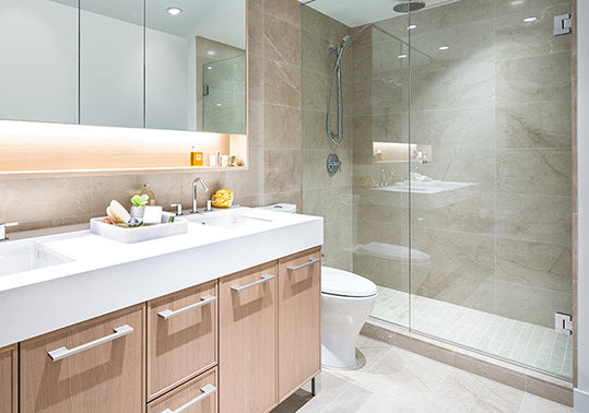 3260 Edgemont Blvd, North Vancouver, BC V7R 2P2, Canada Bathroom!