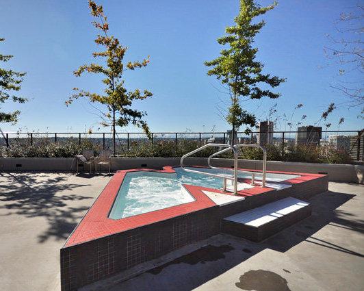 43rd Floor Outdoor Whirl Pool!