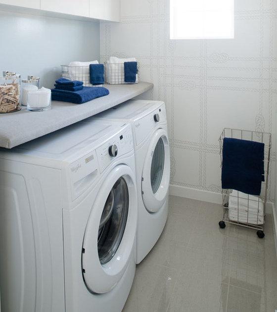 5510 Admiral Way, Delta, BC V4K 5G6, Canada Laundry Area!