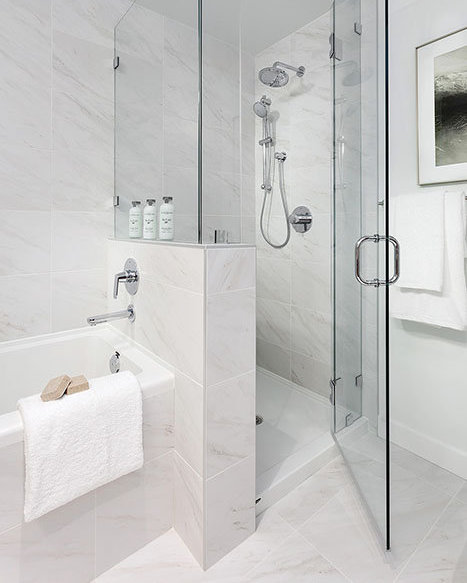 338 W 64th Ave, Vancouver, BC V5X 2L9, Canada Bathroom!