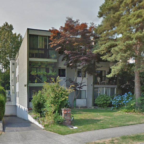 1015 St Andrews St, New Westminster, BC - Building exterior!