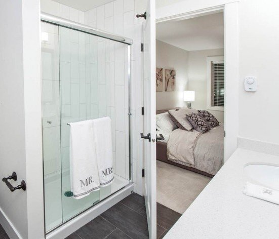16458 23A Avenue, Surrey, BC V3Z 0L9, Canada Luxurious ensuite bathroom!