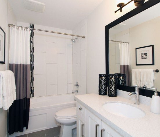 16458 23A Avenue, Surrey, BC V3Z 0L9, Canada Bathroom!
