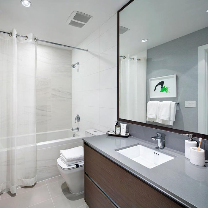 4670 Assembly Way, Burnaby, BC V5H 4L7, Canada Bathroom!