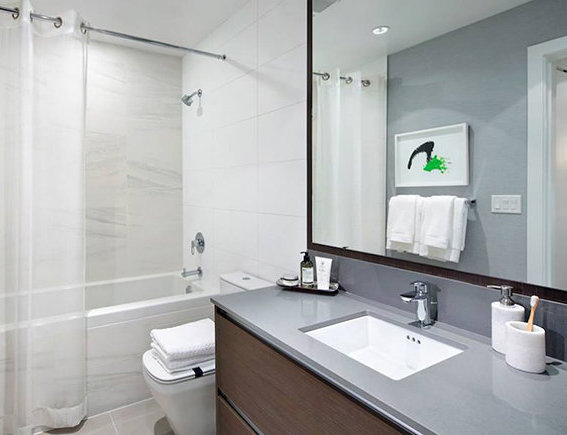 6098 Station Street, Burnaby, BC V5H 4L7, Canada Bathroom!