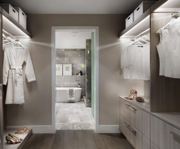 Display Suite Walk-in Closet!
