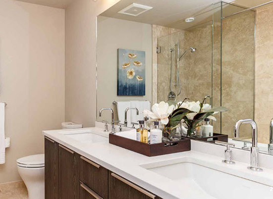 1011 Burdett Ave, Victoria, BC V8V 3G9, Canada Bathroom!