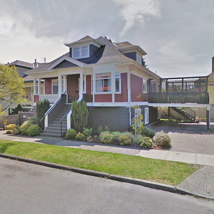1013 Pendergast St, Victoria, BC V8V 2W8, Canada Street View!