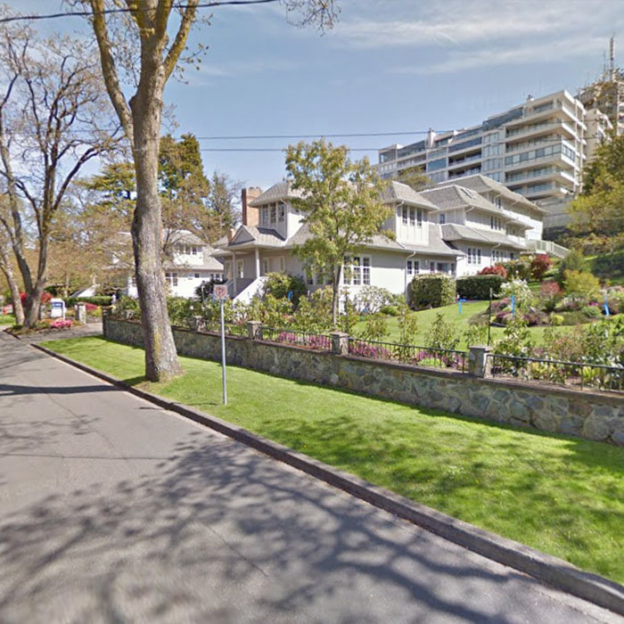 1027 Belmont Ave, Victoria, BC V8S 3T4, Canada Street View!